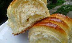 Szila: Vaníliapudinggal töltött rácsos kifli Bread, Sweet, Recipes, Food, Rezepte, Meals, Breads, Ripped Recipes, Bakeries