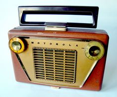 Motorola Portable Tuberadio 1955 http://www.pinterest.com/camefaitsourire/vintage-radios-televisions-typewritters-and-comput/