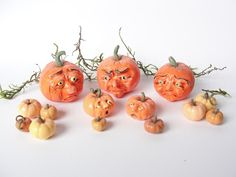 Miniature dollhouse pumpkins in polymer clay by Fizzy -smb: Halloween diorama!!!!!!!