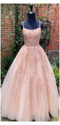 Dresses Elegant, Pretty Prom Dresses, Lace Evening Dresses, Beautiful Dresses, Evening Gowns, Prom Dresses For Teens Long, Prom Dresses Long Modest, Floral Dresses, Sexy Dresses