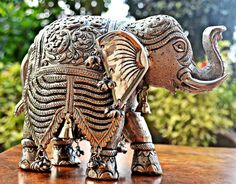Silver finished Elephant Figurine, Intricately hand carved Elephant sculpture,collectible Wedding gift Home decor Metal Carving