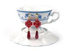 Hey, I found this really awesome Etsy listing at https://www.etsy.com/listing/119581018/red-swarovski-crystal-earrings-red