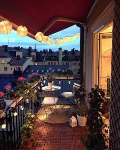 Small Balcony Design, Small Balcony Decor, Outdoor Balcony, Small Patio, Backyard Patio, Outdoor Decor, Balcony Garden, Balcony Ideas, Patio Ideas