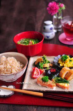 「鮭のマヨ胡麻 マヨディル」|レシピブログ Japanese Dishes, Japanese Food, Tasty Dishes, Food Dishes, Wine Recipes, Asian Recipes, B Food, Happy Foods, Food Plating