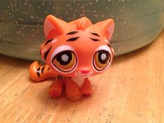 Hasbro Littlest Pet Shop #905 BENGAL TIGER Orange Cat Black Striped #Hasbro