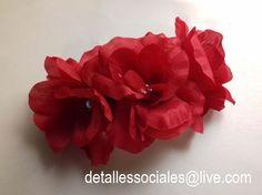 Tocado Flores Rojas Mexicana