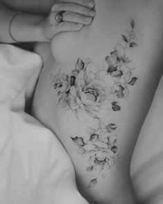 Tritoan Ly x Waist Tattoos, Line Tattoos, Body Tattoos, Floral Hip Tattoo, Pretty Tattoos For Women, Flower Side Tattoos Women, Dragon Tattoo For Women, Scar Tattoo, Tattoo Style