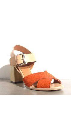 a80a4d9e76c7 339 meilleures images du tableau • shoes •