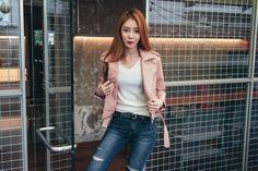 Cropped Rider Jacket CHLO.D.MANON   #pink #bikerjacket #riderjacket #chic #falltrend #autumnlook #koreanfashion #seoul #kstyle