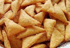 Sajtos kréker Sweetszenilla konyhájából Hungarian Recipes, Hungarian Food, Garlic Bread, Crackers, Ham, Sweet Potato, Snack Recipes, Chips, Food And Drink
