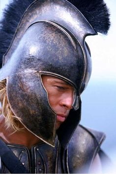 Troy - Movie Still / Brad Pitt Brad Pitt Troy, Spartan Warrior, Viking Warrior, Troy Achilles, Troy Movie, Troy Film, Greek Warrior, Movie Costumes, Ancient Romans