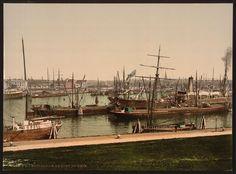 Rijnhaven, waaraan tegenwoordig het nieuwe Luxortheater ligt