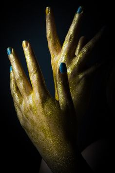 Golden hands by nucky_dana on 500px