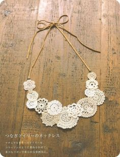 DIY How to make your own Mori style necklace out of mini crochet doilies- going to try and do this. I think you can buy the doilies already made? Mori Fashion, Diy Fashion, Crochet Doilies, Knit Crochet, Diy Accessoires, Diy Schmuck, Bijoux Diy, Crochet Accessories, Fashion Necklace