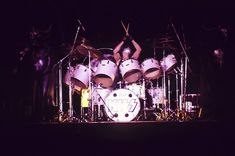 Atlanta Fulton County Stadium Atlanta, GA August 1976 Tom Hill Peter's Cats Stolen During Load Out Kiss Images, Kiss Pictures, Vinnie Vincent, Eric Carr, Vintage Kiss, Peter Criss, Kiss Photo, Kiss Band, Ace Frehley
