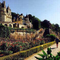 眠れる森の美女のお城は実在した!モデルとなったフランス「ユッセ城」とは   RETRIP