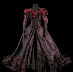Costume de Christian Lacroix pour Renée Flemming.
