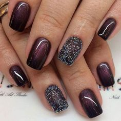 Burgundy nails that are super glossy and look great with any winter outfit.