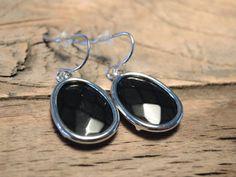 Earrings black stone Buy now at www.trendsandstyle.nl