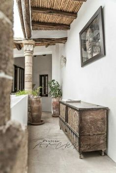 rt, Craft & Architecture  5 COLUMNS RIAD IN ESSAOUIRA, MOROCCO by Paulina Arcklin Photography+Styling These beautiful images shot by photographer & stylist Paulina Arcklin feature 5 Columns Riad. This stunning 200 year old house is located in the old medina of Essaouira, a coastal town in Morocco
