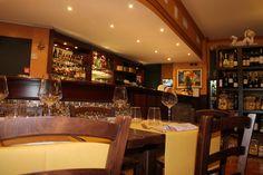 Luce dorata, legni raffinati e una calda accoglienza, nel ristorante Marlin Caffè a Saronno  http://ristorantemarlincaffe.it