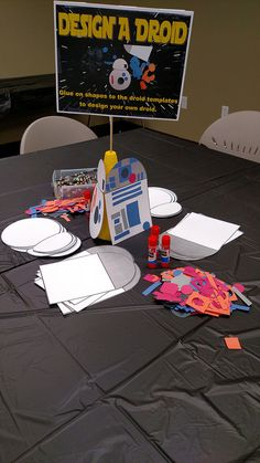 Design a Droid craft table - Star Wars Celebration Star Wars Party Games, Theme Star Wars, Star Wars Day, Kids Party Games, Star Wars Birthday Games, Boy Birthday, Disney Party Games, Birthday Ideas, Birthday Parties