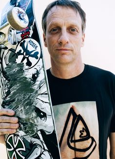 Tony Hawk is one of the most well known skaters in skating history. He is retired from competitions and world championships. His daughter took his place in the skateboarding world. Now he teaches his kids and skates for fun. Tony Hawk Skateboard, Skateboard Decks, Skateboard Clothing, Dodge Challenger, Blade Runner, Tony Hawk 2, Ford Mustang, Autos Ford, Old Scool