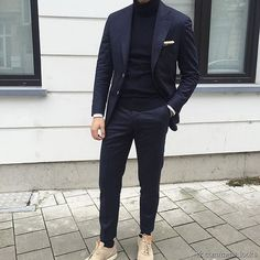 Blue suit with a blue rollneck - monochrom