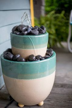 Dress Up Any Outdoor Space With a DIY Fountain Craft a beautiful water feature for your garden or outdoor living space with this simple tutorial. Large Water Features, Indoor Water Features, Water Features In The Garden, Garden Features, Diy Water Fountain, Indoor Fountain, Fountain Ideas, Patio Fountain, Fountain Design