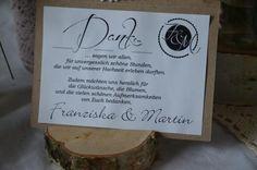 Wunderschöne Danke-Karte zur Hochzeit im Vintagestyle. Von uns handgefertigt mit Spitzenband und Bäckergarn. Diese Karte dient als graphische- und gestalterische Vorlage und kann mit Euren Daten,...