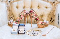 floral wedding shoes | CHECK OUT MORE IDEAS AT WEDDINGPINS.NET | #weddingshoes