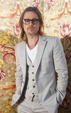 16 Colors That Brad Pitt Loves