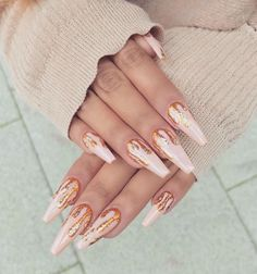 Must-have rose gold nails. These are long pink nails with gold dripping glitter. Perfect nail design idea for Christmas! Drip Nails, Aycrlic Nails, Gold Nails, Pink Nails, Cute Nails, Hair And Nails, Nails 2016, Nail Nail, Glitter Nails