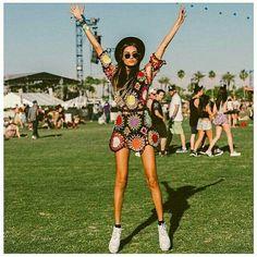Gizeleagogo at Coachella - Crochet dress for 70 's vibes