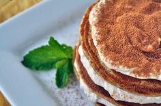 cream frosting Tiramisu for breakfast? Pair rolled oats with vanilla protein powder, coffee, and vanilla and coffee extracts for pancakes that will get bravos from a Protein Snacks, Protein Pancakes, Banana Pancakes, High Protein, Protein Power, Healthy Protein, Protein Bars, Keto Snacks, Protein Desserts