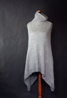 Gray poncho, women poncho, hand knit poncho, knit shawl, knit cape, knit scarf, knit capelet, felted brooch, Modern Clothing