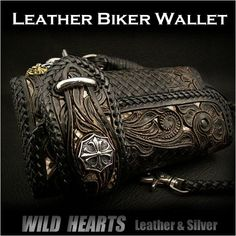 Carved Leather 3/Tri-fold Biker Wallet Python Onyx Silver Concho Wallet chainWILD HEARTS Leather & Silver Item ID lw2459 http://item.rakuten.co.jp/auc-wildhearts/lw2459/