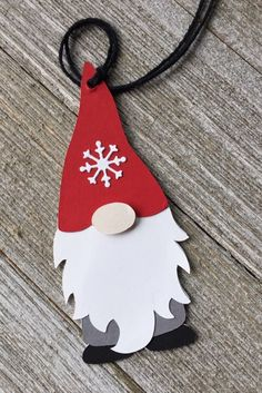 Gnome Gift Tags - Holiday Gnome Tags - Set of 5 Gold Christmas Decorations, Christmas Ornament Crafts, Christmas Gnome, Christmas Gift Tags, Holiday Crafts, Nordic Christmas, Holiday Decor, Diy Cadeau Noel, Handmade Gift Tags