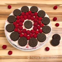 Looking for delicious cake recipes? This post will tell you how to make a delicious homemade oreo raspberry chocolate cake. Chocolate Raspberry Cake, Chocolate Cake, Delicious Cake Recipes, Yummy Cakes, Oreo, Posts, Homemade, Blog, Bolo De Chocolate