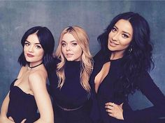 3 of 5 in the hottest family portrait at #TCA17.  #PLL #PrettyLittleLiars