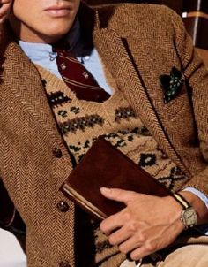 tweed jacket over sweater vest, watch on nato strap, one sharp dressed man Style Preppy, Preppy Mode, Ivy Style, Mode Style, Men's Style, Harris Tweed, Sharp Dressed Man, Well Dressed Men, Style Ivy League