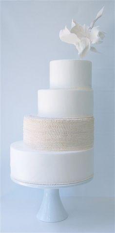 Off-Center #Wedding #Cake