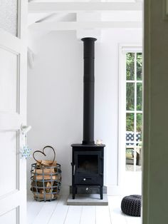 9 Pleasing Clever Ideas: Country Minimalist Decor Interiors minimalist home bedroom interior design.Modern Minimalist Kitchen Decor minimalist home bedroom interior design. Scandinavian Fireplace, Scandinavian Home, Interior Design Minimalist, Minimalist Decor, Minimalist Kitchen, Minimalist Bedroom, Contemporary Wood Burning Stoves, Stove Fireplace, Fireplace Ideas