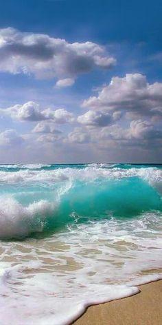Cameron saved to lounge is part of Ocean pictures - Sea And Ocean, Ocean Beach, Ocean Waves, Beach Waves, Ocean Photos, Ocean Art, Strand Wallpaper, Ocean Wallpaper, Android Wallpaper Nature