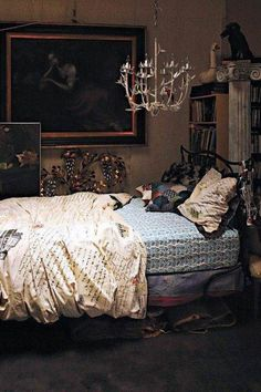Anyhow the Gothic culture and Gothic Bedroom Design is much more elegant and proficient then the stereotypes that are related to this style Dream Bedroom, Home Bedroom, Bedroom Decor, Bedroom Ideas, Fairytale Bedroom, Pretty Bedroom, Decor Room, Design Bedroom, Dream Rooms