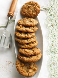 Dry-roasted cashews add a salty spin to classic butterscotch chip cookies! Get the full recipe here: http://www.bhg.com/christmas/cookies/favorite-christmas-cookies/?socsrc=bhgpin121614saltysweetbutterscotch&page=19