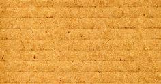 Como fortalecer um pedaço de papelão. Caso esteja fazendo móveis de papelão ou decorações para casa, é provável que tenha que comprar um papelão muito forte, ou tenha que fortalecer os que já possui. É possível fortalecê-lo e reforçá-lo colando vários pedaços juntos, adicionando um núcleo de espuma ou cobrindo-o com cola epóxi. O processo que você escolher depende do tipo de projeto ...