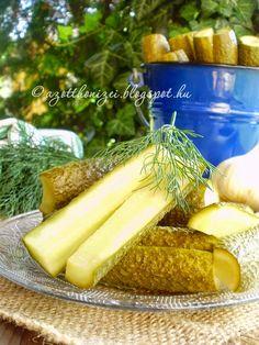 Az otthon ízei: Forrázott uborka Celery, Pickles, Cucumber, Salads, Yummy Food, Vegetables, Cukor, Delicious Food, Vegetable Recipes