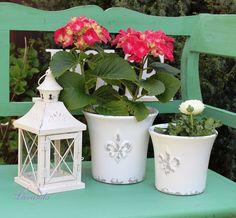 Keramický kvetináč Vintage s francúzskou ľaliou, veľký Glass Vase, Planter Pots, Garden, Home Decor, Lavender, Garten, Interior Design, Gardening, Home Interiors