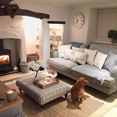 Good Country Living Room Decor Starts With These Steps - Best Useful Home Decor Tips Best Sofa, Cosy Living Room, Farm House Living Room, Living Room Decor Country, Snug Room, Living Room Designs, Cottage Lounge, Cottage Living Rooms, Room Decor